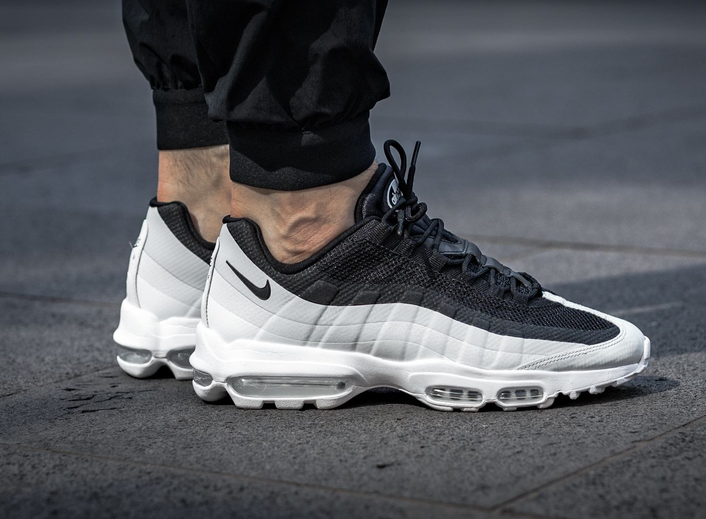 Conception innovante f0da5 97477 air max 95 ultra noir et blanc