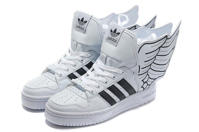 chaussure adidas avec des ailes pas cher