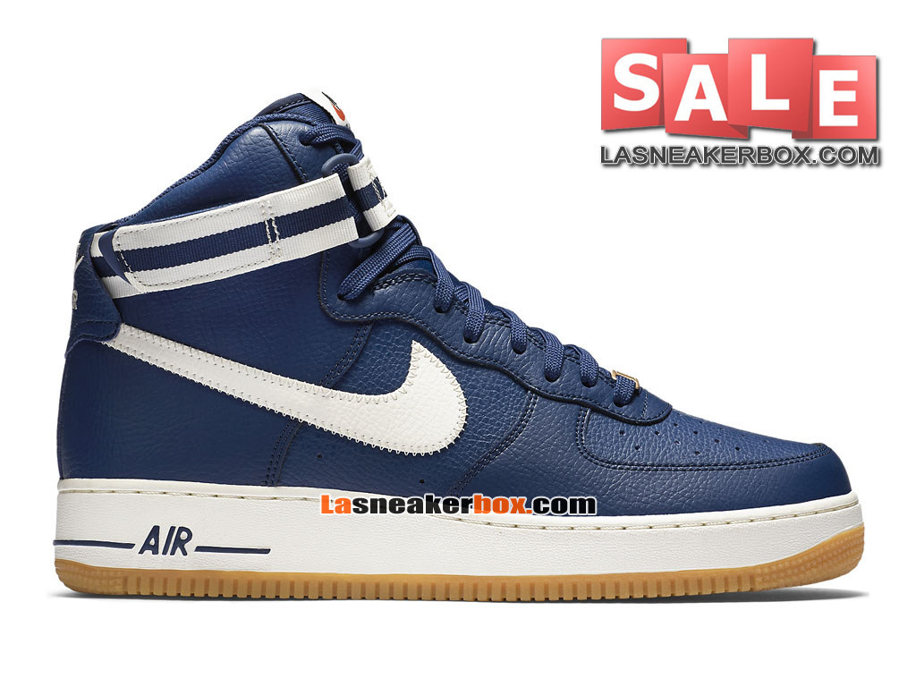 chaussure nike montante 32